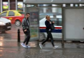 Informare meteo: Ploi torenţiale, descărcări electrice şi vijelii, în nord-vestul ţării