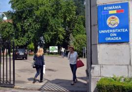 Reacţie halucinantă a Universităţii din Oradea: Pentru că s-au plâns de calitatea absolvenţilor FMF, jurnaliştii danezi sunt acuzaţi de... atentat la securitatea naţională