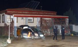 În stil mafiot: O româncă de 29 de ani a fost împușcată mortal în fața casei, în Spania