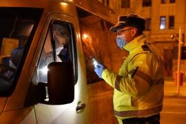 Nici bihorenii nu se învaţă minte: În 24 de ore, poliţiştii au dat amenzi de aproape 500.000 lei celor care ignoră regulile în vremea coronavirusului