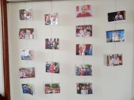 Înapoi în comunism: La vizita Vioricăi Dăncilă, PSD-iştii din Beiuş au tapetat Casa de Cultură cu zeci de poze înfăţişând-o pe aceasta (FOTO)