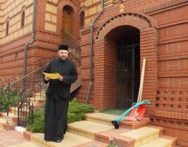 """Dinastia popilor: Parohul Vasile Bota îi lasă fiului """"moștenire"""" Biserica Sf. Apostol Andrei din Oradea"""