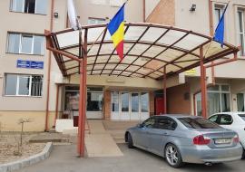 """Consultanţă cu instanţă: Primăria Sânmartin, """"arsă"""" la banii europeni după ce a mers pe mâna lui Hornung"""