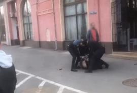Răzbunare în centrul oraşului: Agent şef de la Penitenciarul Oradea, atacat cu spray lacrimogen de un fost deţinut (VIDEO)