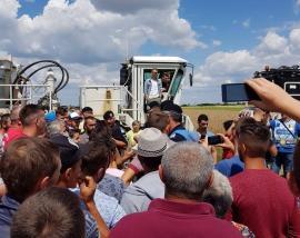 Localnicii din Toboliu și Cheresig au protestat din nou împotriva prospecţiunilor făcute de NIS Petrol pe pământurile lor (FOTO/VIDEO)