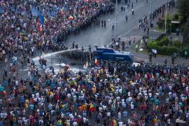 Dosarul 10 august se redeschide, la cererea unui protestatar. Şefii Jandarmeriei, cercetaţi penal