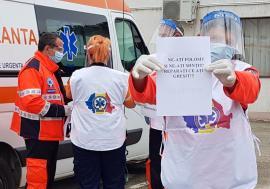 Să se dea la toți! Ambulanțierii din Bihor au protestat și ei, acuzând discriminare la acordarea stimulentelor pentru linia întâi (FOTO / VIDEO)