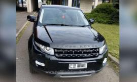 Bolid la Borş: Un beiuşean de 31 de ani a încercat să intre în ţară cu Range Rover furat din Marea Britanie (FOTO)