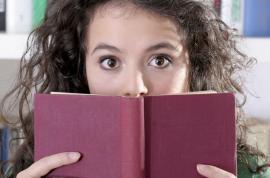 Iată cum cititul cărţilor de ficţiune ne face mai buni