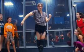 Orădeanul Emil Rengle face furori cu coregrafii realizate pe manele (VIDEO)
