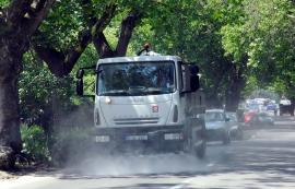 RER Ecologic Service combate canicula udând străzile