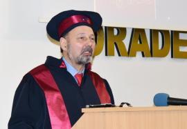 """Unul dintre cei mai cunoscuți analiști politici din lume a devenit Doctor Honoris Causa la Oradea: """"La 30 de ani după 1989, este ceea ce ne aşteptam şi ne doream?"""" (FOTO)"""