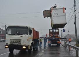 OTL în acţiune: Evacuarea chioşcurilor de pe Borşului le-a dat bătăi de cap angajaţilor societăţii de transport local