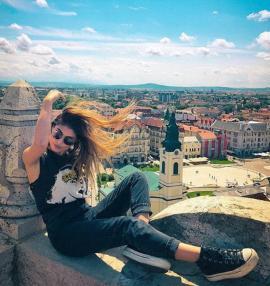 Cunoscuta bloggeriţă Sânziana Negru, în vizită la Oradea: 'E cam frumos la voi…' (FOTO/VIDEO)
