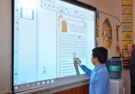 """Prima școală """"smart"""" din Bihor: La """"Nicolae Bălcescu"""", toţi elevii învață prin jocuri şi aplicaţii, pe table interactive (FOTO / VIDEO)"""