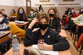 Cum se vor desfășura cursurilor școlilor în Bihor săptămâna următoare: Restricții în unitățile de învățământ din 43 comune și orașe