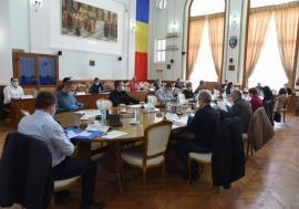 Dezbateri la secret: Consilierii locali din Oradea vor să-și țină ședințele prin videoconferință