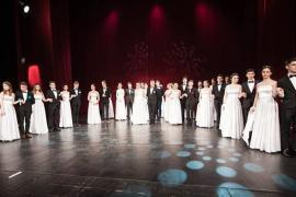 Serată în stil vienez: Bobocii de la Don Orione pun în scenă un spectacol de teatru, dans, muzică şi modă