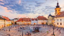 Sibiu 100: Expoziţie de fotografie şi pictură cu oraşul de pe Cibin, la Muzeul Oraşului Oradea