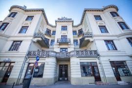 Palatul Sonnenfeld din Oradea este monument istoric. Ce planuri are proprietarul, o fundaţie înfiinţată de UDMR