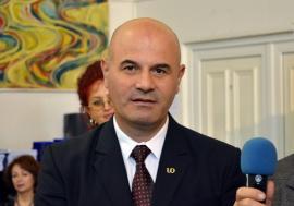 Studenţi insistenţi: Comisia de Etică a Universităţii, somată în continuare să-l sancţioneze pe Sorin Curilă