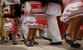 Spectacol folcloric la Sala Florica Ungur