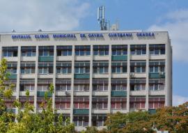 Virusul zgârceniei: Angajații Spitalului Municipal din Oradea, puși să-și plătească testele Covid la întoacerea din concedii