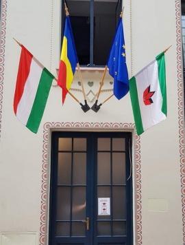 Bihorel: Zece măsuri ca să nu se mai repete incidentele cu drapelul, la sediul UDMR