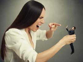 Moduri prin care oamenii nesiguri pe ei încearcă să pară importanţi