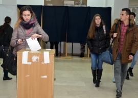 La vot: Studenţii îşi aleg viitorii reprezentanţi în Senatul Universităţii din Oradea
