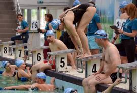 Record la Swimathon: 333 de înotători la Bazinul Olimpic şi peste 170.000 de lei strânşi (FOTO)