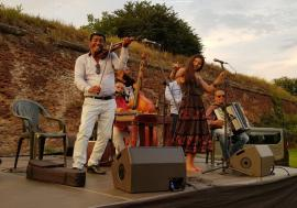 Oradea Summer Film: Caliu și taraful lui au cântat în Parcul Cetății (FOTO / VIDEO)