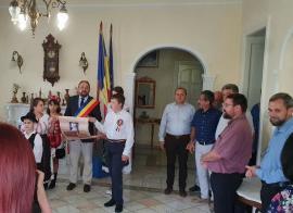 Hai la Târgul Corvinilor din Lugaşu de Jos! Organizatorii pun la bătaie o Dacia Sandero, dar şi alte zeci de premii pentru vizitatori (FOTO)