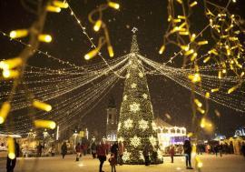 E oficial! Târgul de Crăciun din Oradea se va ţine, între 6 și 31 decembrie, în Piaţa Unirii