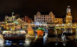 Târgul de Crăciun Oradea. Iluminatul de sărbători va fi pornit joi din Piaţa Unirii