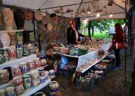 A început Târgul Meșterilor Populari. Ce pot găsi vizitatorii în Parcul Bălcescu din Oradea (FOTO / VIDEO)