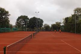 Oradea găzduieşte turneul de tenis din circuitul J2 World Tennis Tour U18