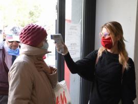 """""""Drepturile omului"""": Zeci de plângeri la Avocatul Poporului pentru măsurarea temperaturii în spațiile publice"""