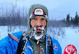 Performanţă! Tibi Ușeriu a terminat ultramaratonul arctic din Canada