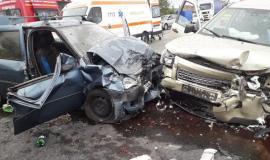 Acident cu trei mașini, la Tileagd: patru persoane au ajuns la spital (FOTO)