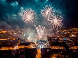 The Motans, artificii spectaculoase şi o nouă peripeţie, în încheierea Oradea FestiFall: În timpul concertului, un adolescent s-a căţărat pe scenă (FOTO / VIDEO)