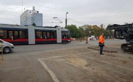 Încă se circulă: Tramvaiele trec în continuare pe podul Dacia
