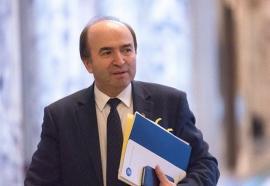 Sejur la secret: Ministrul Justiției, Tudorel Toader, s-a relaxat discret în Băile Felix