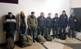 Opt turci, prinşi în Bihor când încercau să iasă ilegal din ţară. Călăuză le-a fost un belgian(VIDEO)