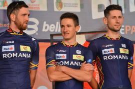 Turul Ciclist al Bihorului a debutat cu prezentarea echipelor. Între concurenți, și orădeanul Raul Sânza (FOTO)