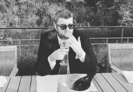 Salutări din Suedia! Victor Micula şi-a mutat 'cartierul general' de la hotelul de fiţe din Elveţia