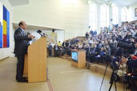 Traian Băsescu, lecţie despre Europa şi campanie electorală subtilă, în faţa studenţilor orădeni (FOTO/VIDEO)