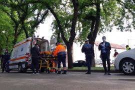 Accident în Oradea: O femeie care traversa neregulamentar strada Tudor Vladimirescu a fost izbită de o maşină (FOTO)