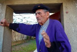 REPORTAJ BIHOREANUL: Apatie la urne în Tinca. 'Dacă Viorica ar fi fost bărbat, aş fi votat-o' (FOTO / VIDEO)