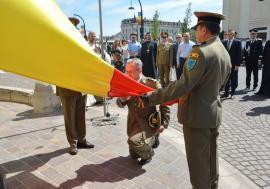 Apatie tot mai mare la sărbătorile oficiale: Ziua Drapelului, marcată în centrul oraşului cu audienţă modestă (FOTO)